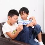 ブルーライトの影響!子供の体にはどういったダメージがいくの?